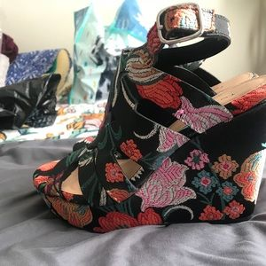 Torrid Embroidered wedges NWT